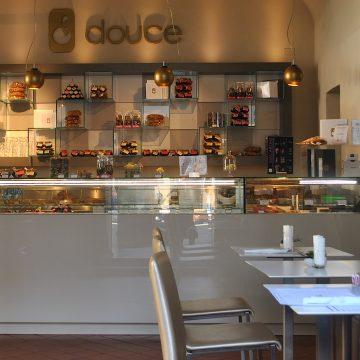 Douce Pâtisserie Café cerca personale