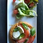 Vol-au-vent con misticanza freschissima, pomodorini e mozzarella di bufala