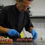 Michel decora le torte vegane