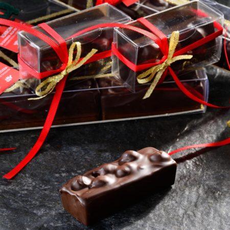 Torrone di gianduia alla nocciola ricoperto di cioccolato fondente
