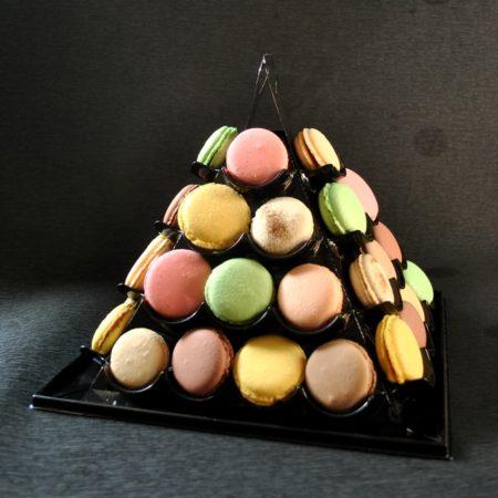Piramide con 40 macaron